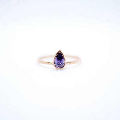 Pear stone ring